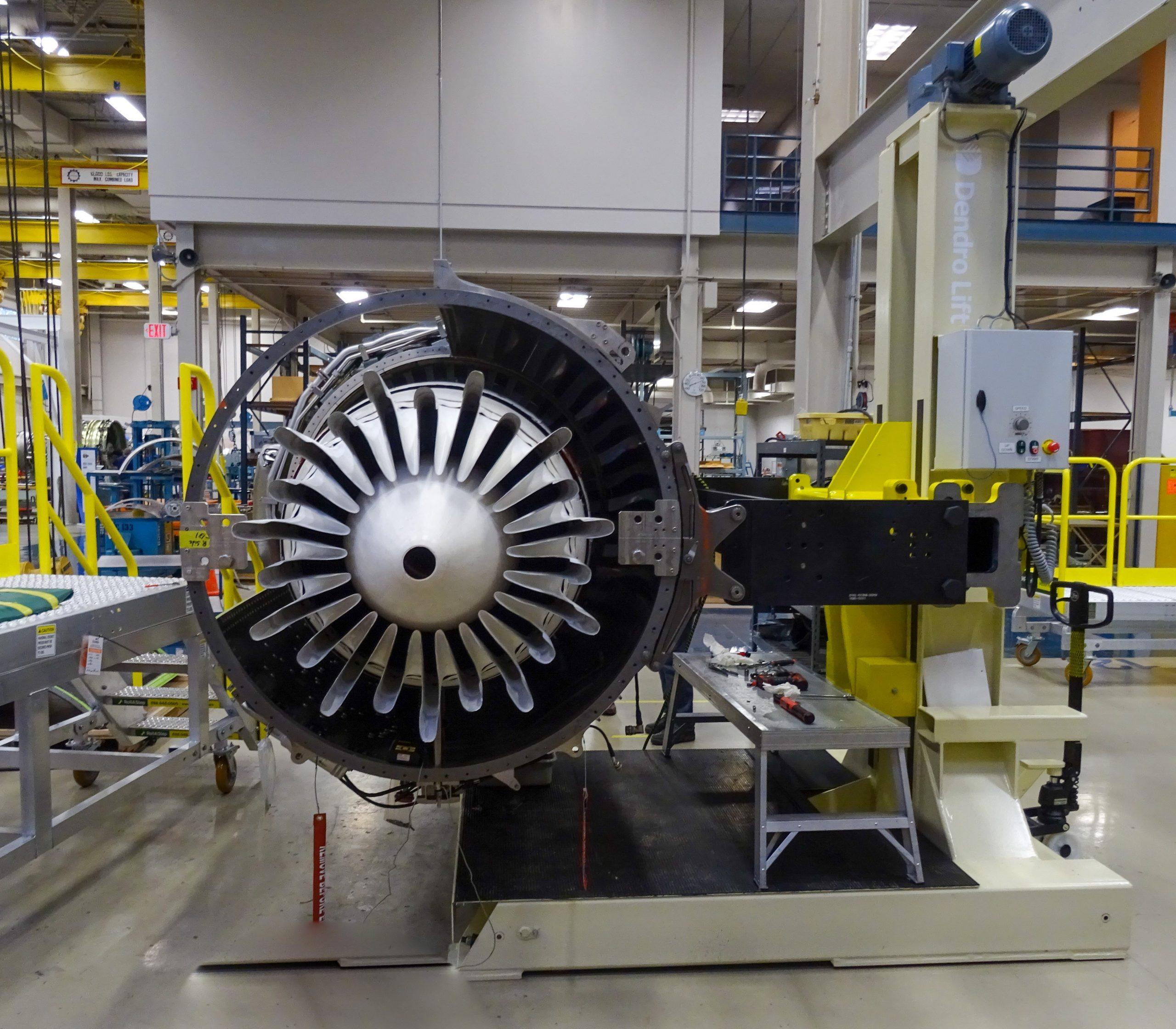Flygmotorlyft